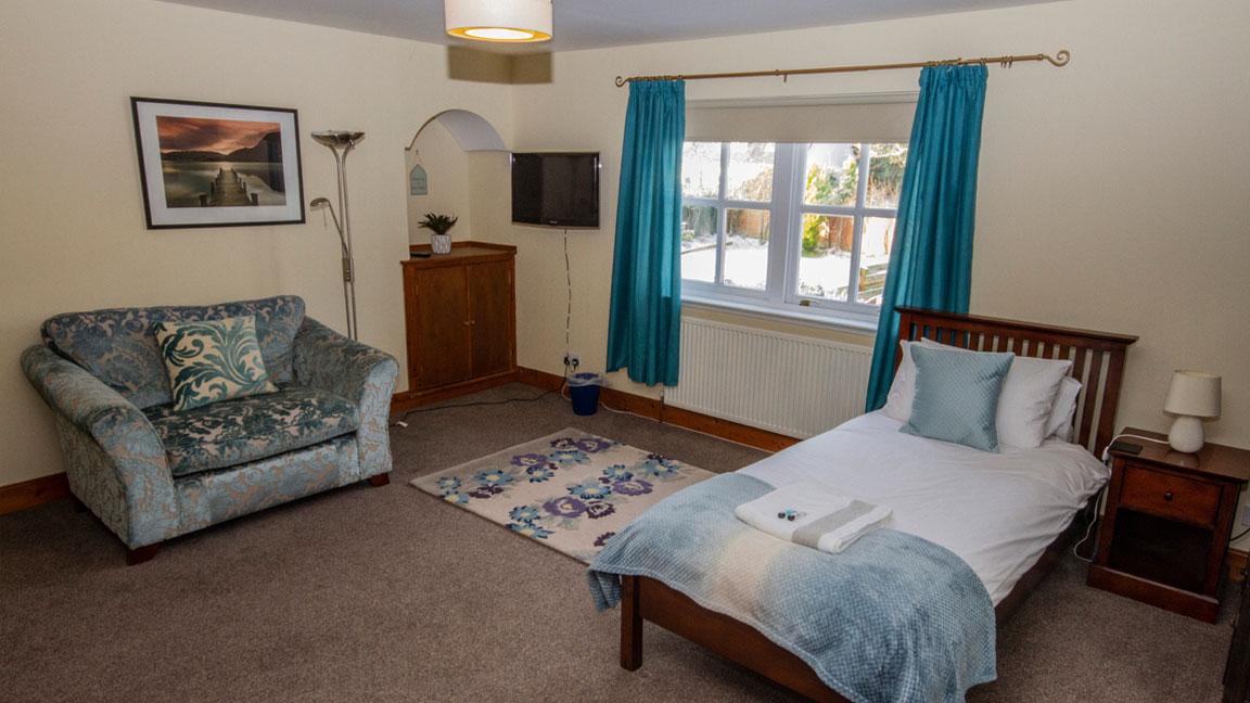 Balconie House Bedroom2