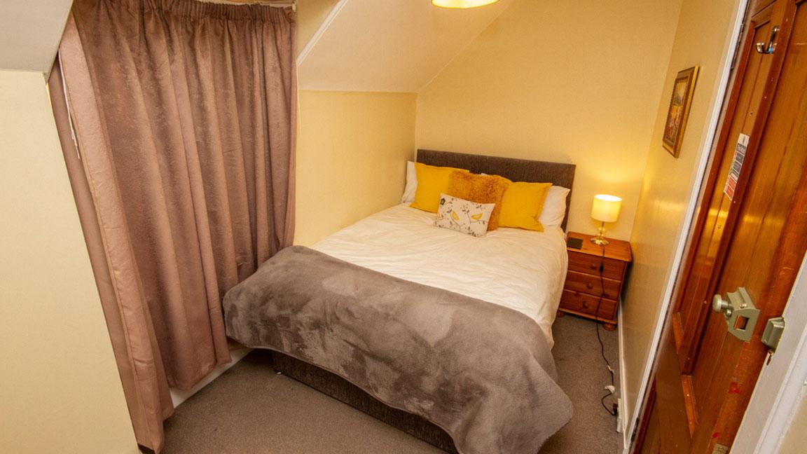 Balconie House Bedroom3